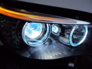 BMW 5シリーズ ヘッドライト点灯