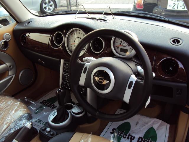 ミニ 1stアニバーサリー サンルーフ レザーシート車両画像09