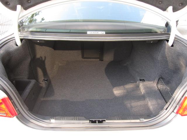 525iBEAMコンプリートカー ブラックレザーシート車両画像08