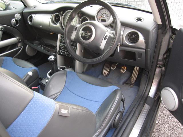 ミニ クーパーS 6SPEED ハーフレザー車両画像03