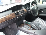 525iハイラインツーリング・ブラックレザー・サンルーフ車両画像03