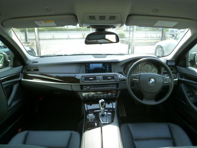 528i 純正HDDナビ 地デジ バックカメラ ブラックレザー車両画像12