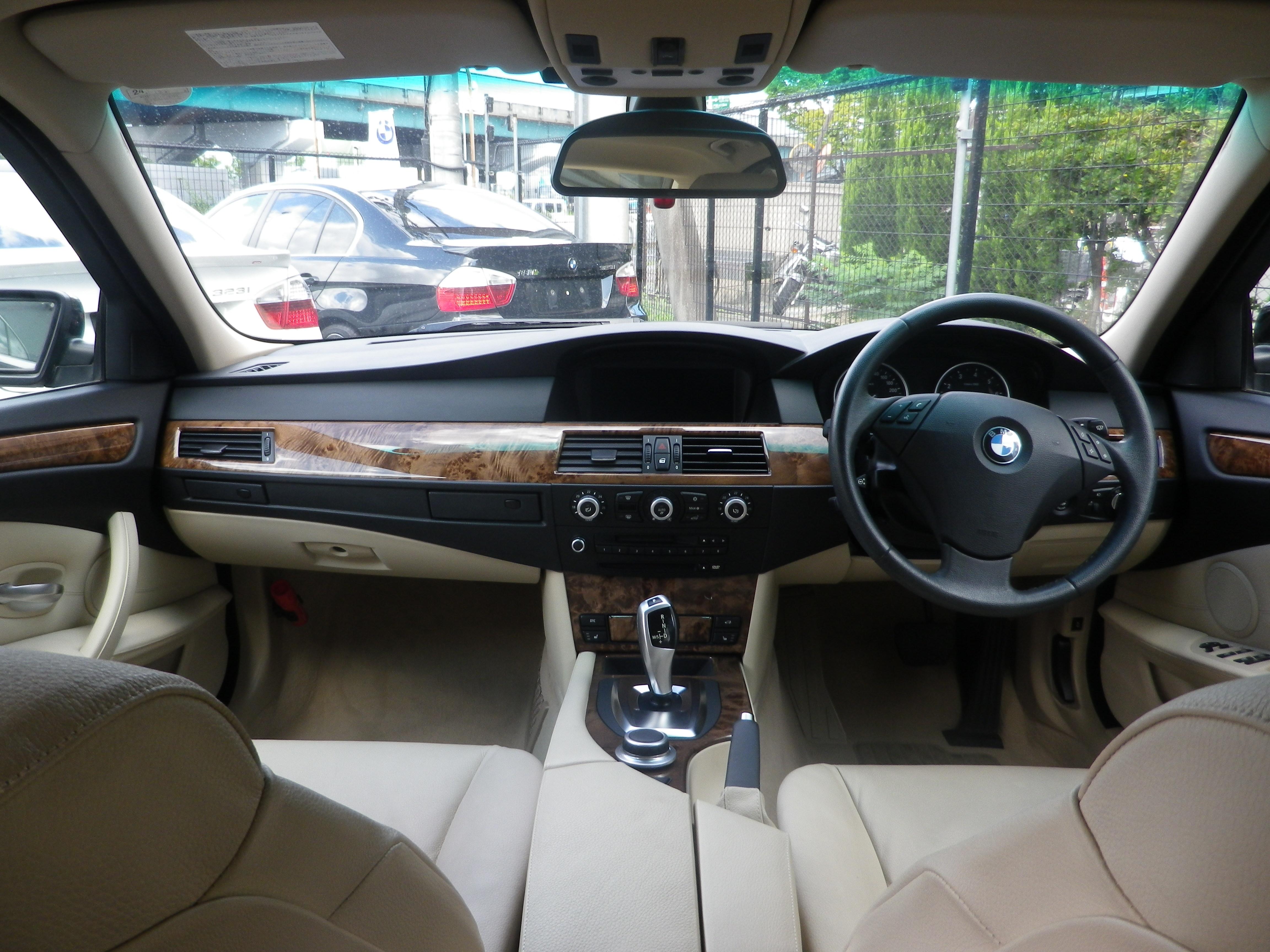 525iハイライン後期モデルBEAMコンプリートカー 電子シフト ベージュレザーシート車両画像08