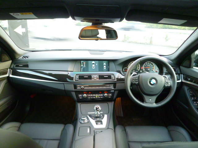 M5 F10 ガラスサンルーフ 右ハンドル ブラックレザー 車両画像09