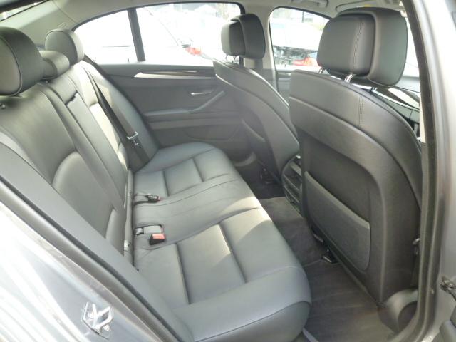 523iBEAMコンプリートカー ワンオーナー オートトランク アイドリングストップ車両画像11