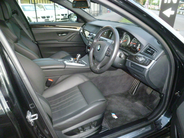 M5 F10 ガラスサンルーフ 右ハンドル ブラックレザー 車両画像10