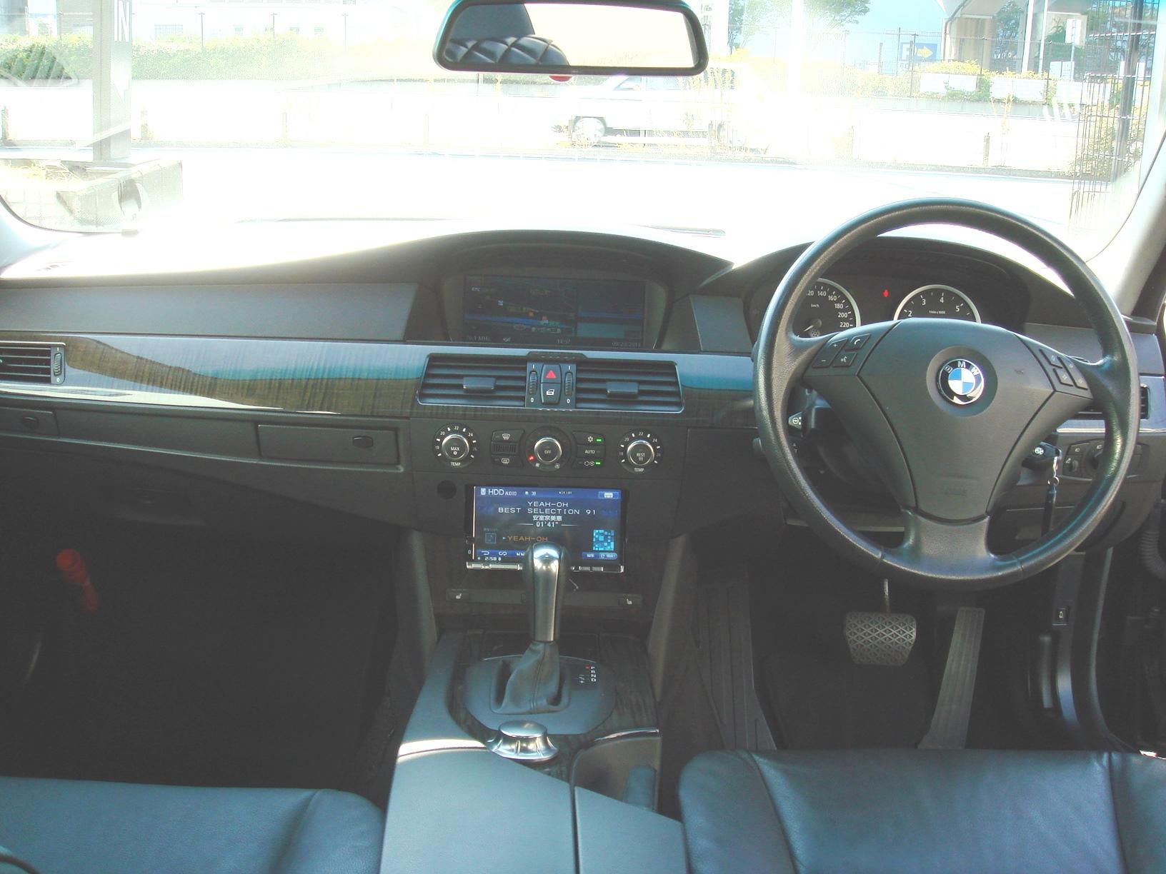BMW 530i ハイラインパッケージ サンルーフ 後期エンジン車両画像11
