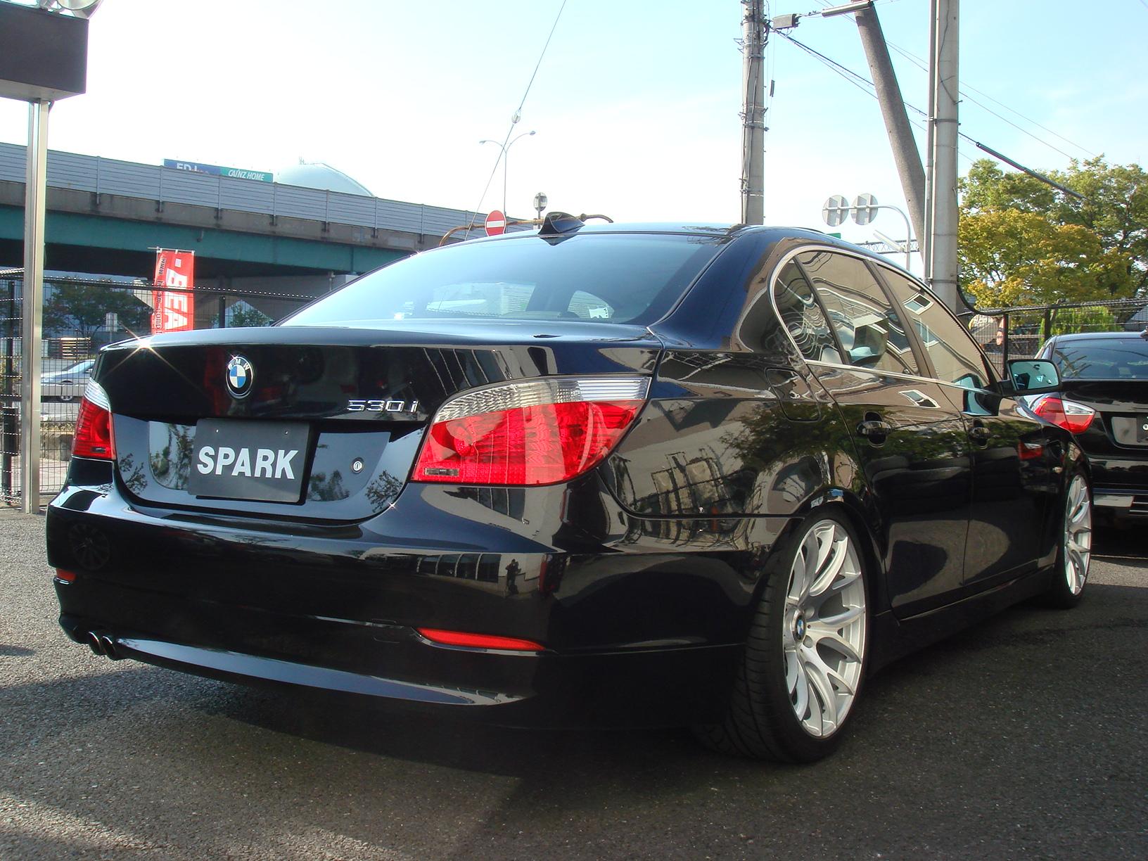 BMW 530i ハイラインパッケージ サンルーフ 後期エンジン車両画像05