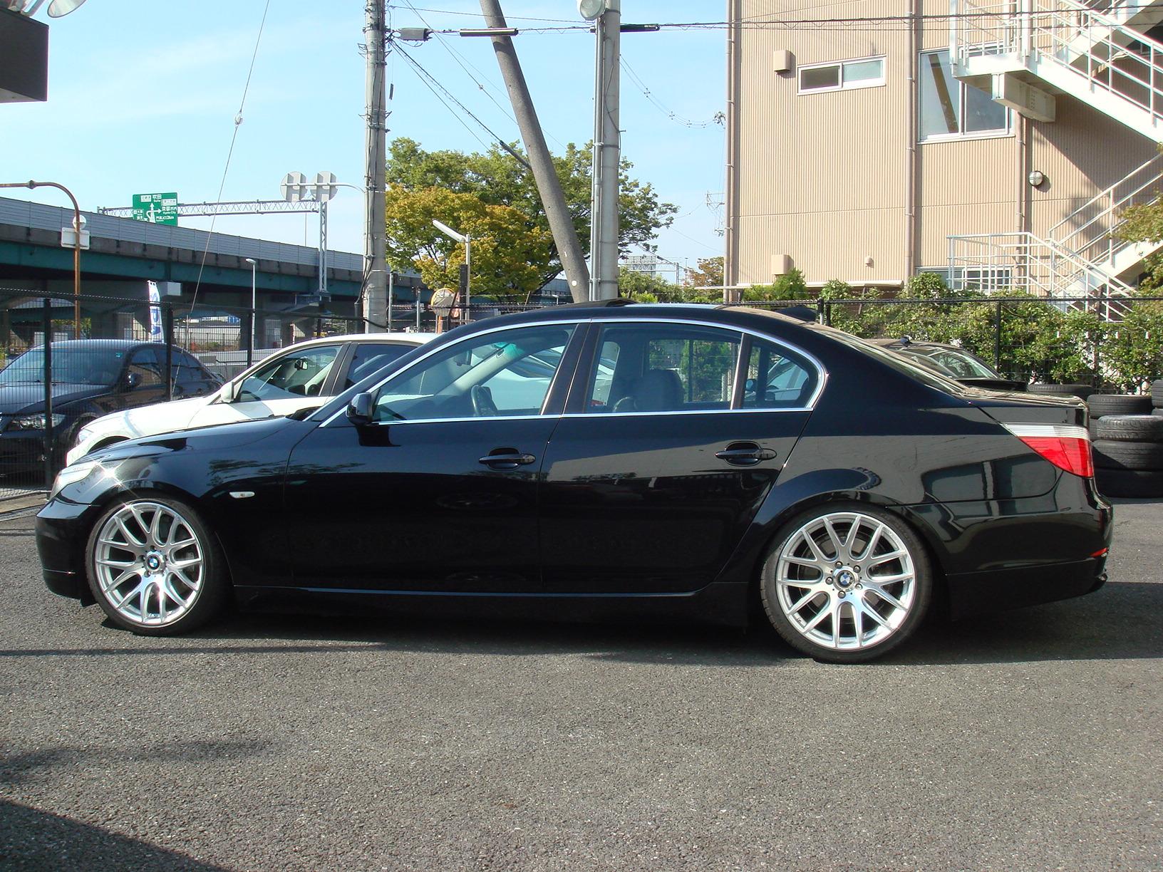 BMW 530i ハイラインパッケージ サンルーフ 後期エンジン車両画像08