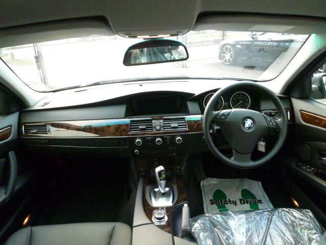 525iハイラインパッケージ 後期モデル 電子シフト ブラックレザー ワンオーナー車両画像09