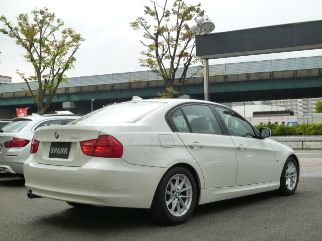 320i LCI ワンオーナー アルピンホワイト HDDナビ HIDライト 期間限定車両画像05