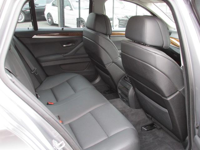 528iツーリング コンフォートパッケージ オートトランク アラウンドビューモニタ車両画像13