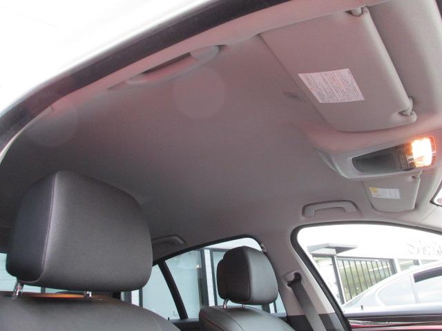 528i ブラックレザー オプション18インチ純正アルミ リアフィルム車両画像15