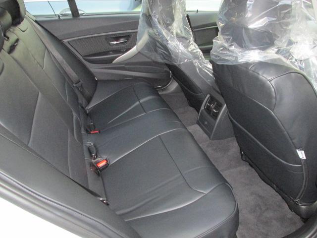 320iBEAMコンプリートカー 20インチアルミ 4本出しマフラー ブラックレザー調シート車両画像12