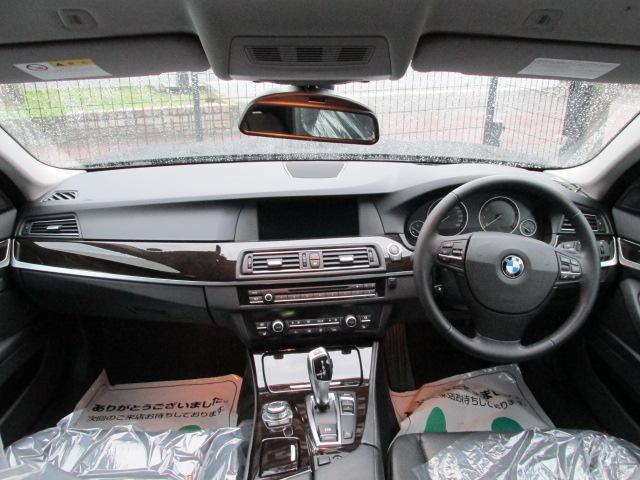 523iBEAMコンプリートカー ワンオーナー アイドルストップ 黒革 2000ccターボ車両画像09