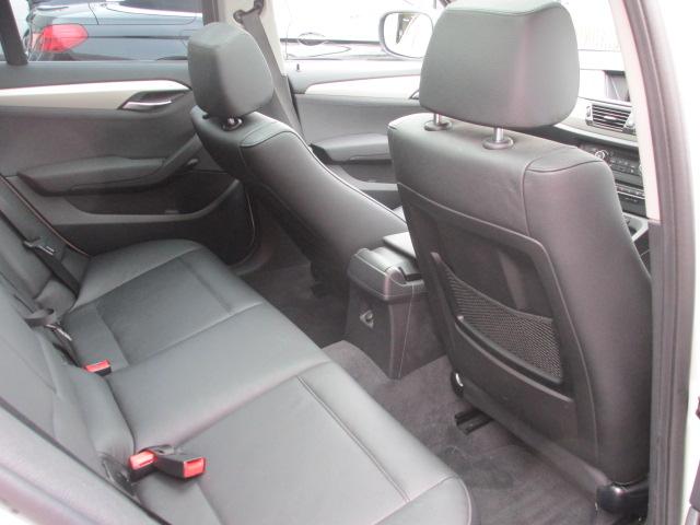 X1 sDrive 18i パノラマサンルーフ ブラックレザー車両画像14