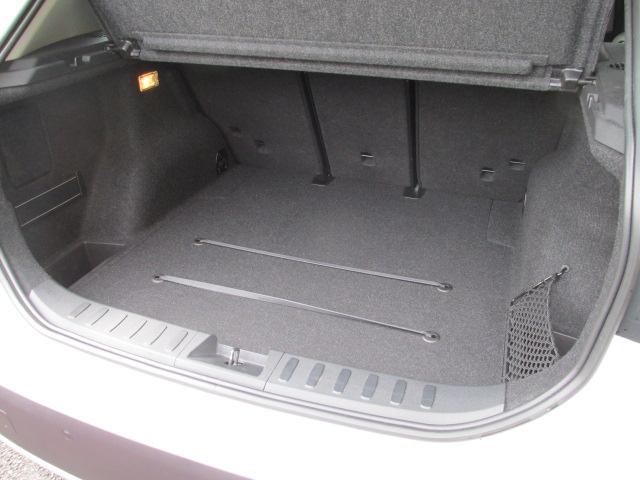 X1 sDrive 18i パノラマサンルーフ ブラックレザー車両画像15
