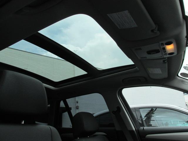 X1 sDrive 18i パノラマサンルーフ ブラックレザー車両画像10