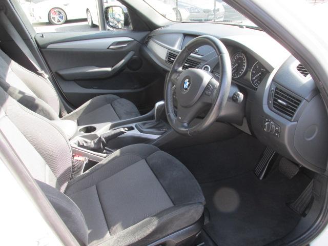 X1 sDrive 18i Mスポーツパッケージ コンフォートアクセス パールホワイト車両画像10