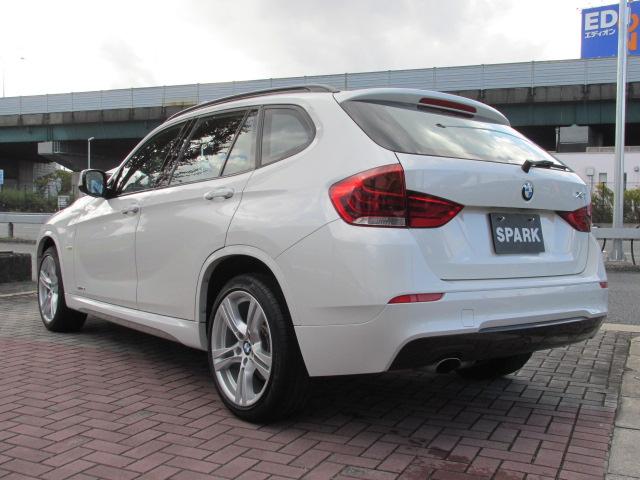 X1 sDrive 18i Mスポーツパッケージ コンフォートアクセス パールホワイト車両画像07
