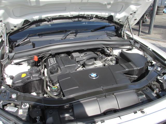 X1 sDrive 18i Mスポーツパッケージ コンフォートアクセス パールホワイト車両画像15