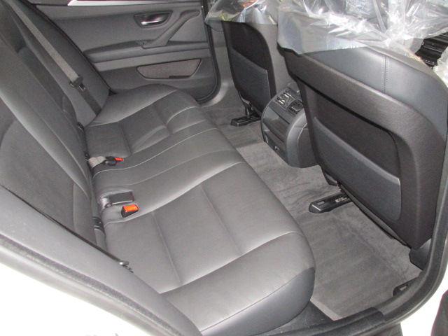 528i ワンオーナー ブラックレザー オプション18インチアルミ 地デジ 右ハンドル車両画像12