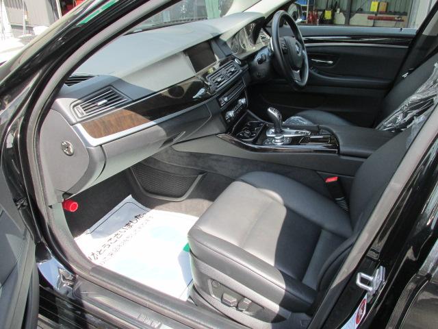 528iBEAMコンプリートカー ブラックレザー パドルシフト 本革レザーステア車両画像13