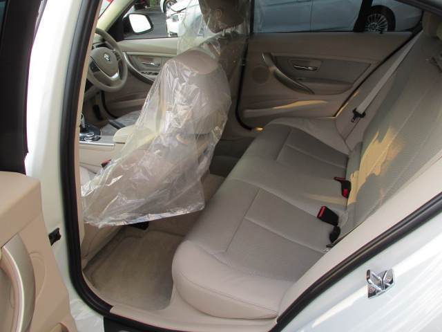 320i モダンBEAMコンプリートカー パドルシフト ベージュインテリア車両画像13