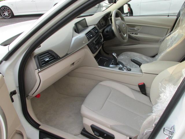 320i モダンBEAMコンプリートカー パドルシフト ベージュインテリア車両画像12
