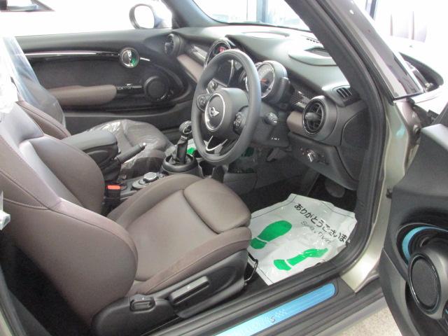 MINI クーパーSコンバーチブル 茶革 ワンオーナー ユアーズ幌 スマートキー アクティブクルーズ車両画像11