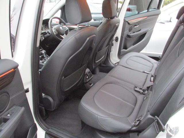 218d グランツアラー ラグジュアリー アドバンスドセーフティー ブラックレザー車両画像12