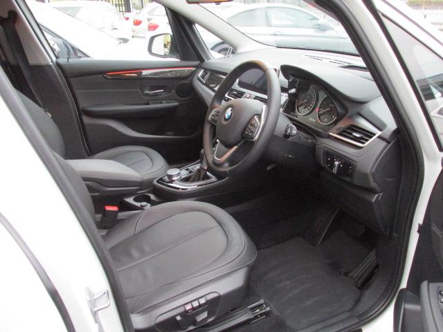 218d グランツアラー ラグジュアリー アドバンスドセーフティー ブラックレザー車両画像09