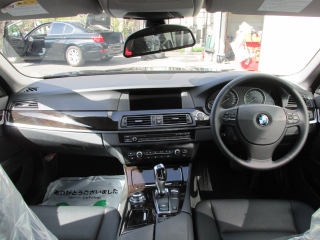 523iツーリングハイラインBEAMコンプリートカー 黒革 2000ccターボ アイドルストップ車両画像10