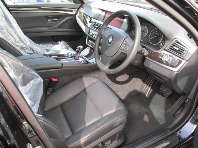 523iツーリングハイラインBEAMコンプリートカー 黒革 2000ccターボ アイドルストップ車両画像11