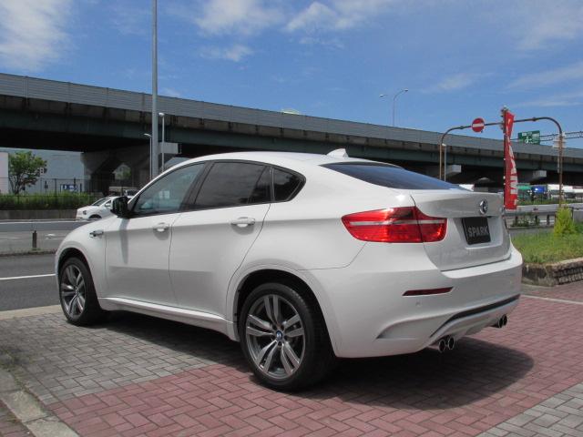 X6 M ホワイトレザー パワーゲート  アラウンドビューカメラ ソフトクローズドア車両画像07