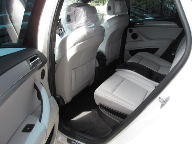 X6 M ホワイトレザー パワーゲート  アラウンドビューカメラ ソフトクローズドア車両画像14