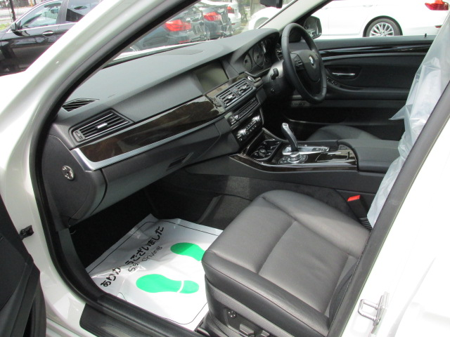 528iツーリング BEAMコンプリートカー ブラックレザー パノラマサンルーフ車両画像12