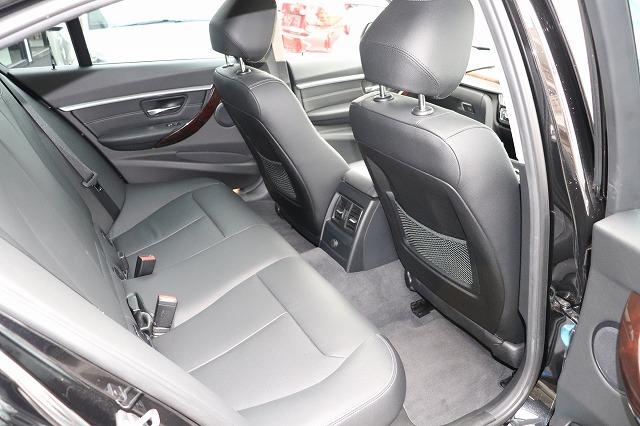 320d ラグジュアリー BEAMコンプリートカー後期モデル 黒革 LEDヘッド ACC車両画像12