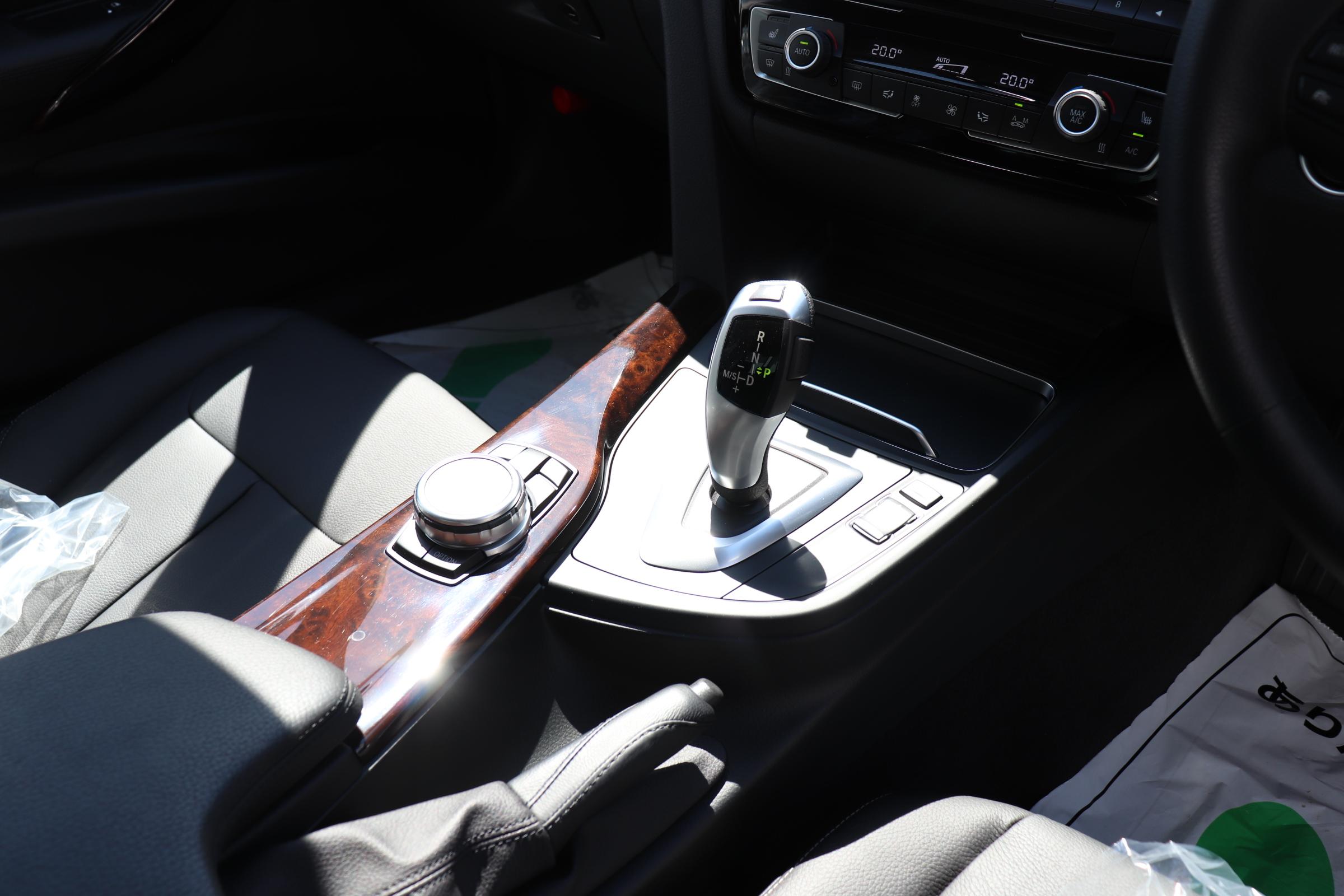 320d LCI ラグジュアリー BEAMコンプリートカー 黒革 レーンチェンジサポート 衝突軽減B車両画像14