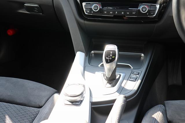 320dツーリング Mスポーツ LCIモデル レーンチェンジウォーニング LED車両画像13