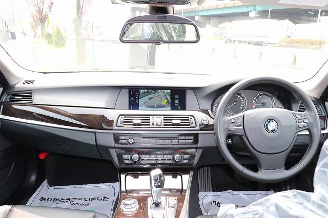 523iハイラインBEAMコンプリートカー ガラスサンルーフ ブラックレザーシート 19インチアルミ車両画像10