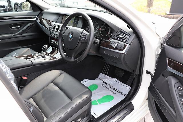 523iハイラインBEAMコンプリートカー ガラスサンルーフ ブラックレザーシート 19インチアルミ車両画像11