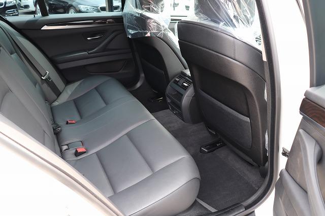 523iハイラインBEAMコンプリートカー ガラスサンルーフ ブラックレザーシート 19インチアルミ車両画像12