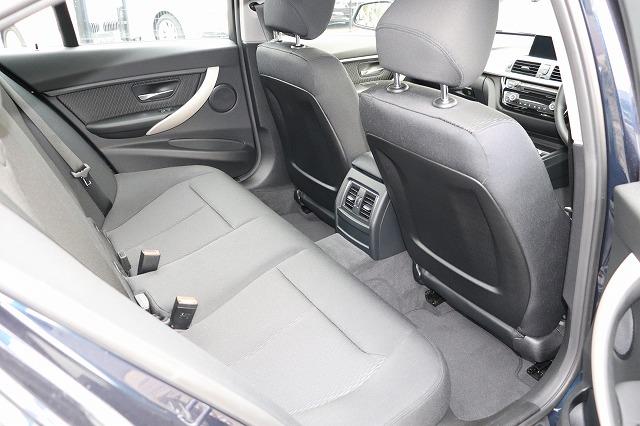320d 後期モデル ワンオーナー 追従クルーズ  LEDヘッド&フォグ車両画像12