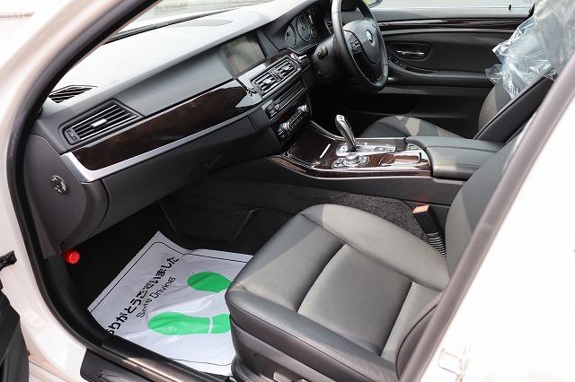 523iハイラインBEAMコンプリートカー ガラスサンルーフ ブラックレザーシート 19インチアルミ車両画像13