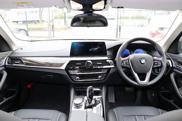 523d ラグジュアリーBEAMコンプリートカーデビューP 黒革 HUD ベンチレーションシート Sクローズドア車両画像10