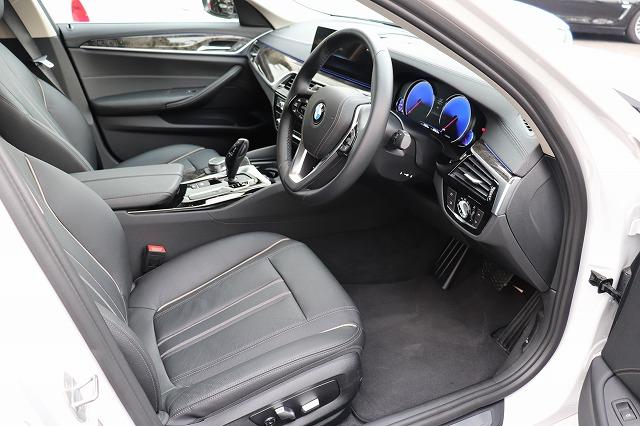 523d ラグジュアリーBEAMコンプリートカーデビューP 黒革 HUD ベンチレーションシート Sクローズドア車両画像11