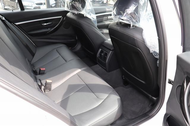 330e iパフォーマンス Mスポーツ ブラックレザーシート タッチパネルナビ車両画像10