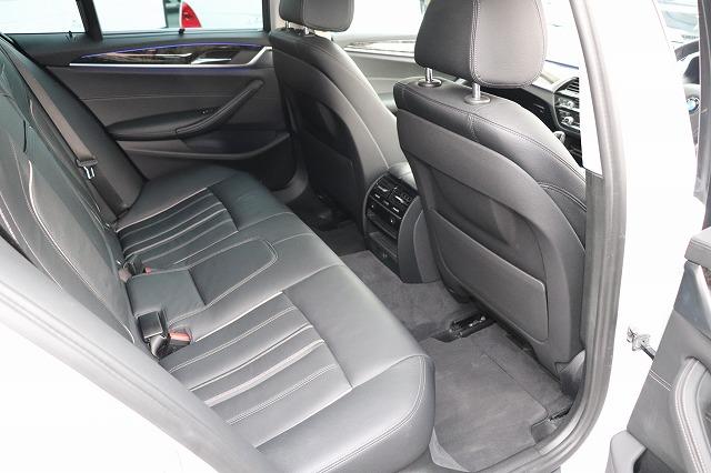 523d ラグジュアリーBEAMコンプリートカーデビューP 黒革 HUD ベンチレーションシート Sクローズドア車両画像12