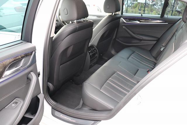 523d ラグジュアリーBEAMコンプリートカーデビューP 黒革 HUD ベンチレーションシート Sクローズドア車両画像14